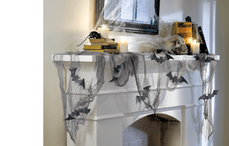 Halloweenske visiace a stolové dekorácie na výzdobu miestnosti