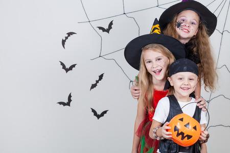 Halloweenske kostýmy, halloweenske dekorácie, halloweenske doplnky
