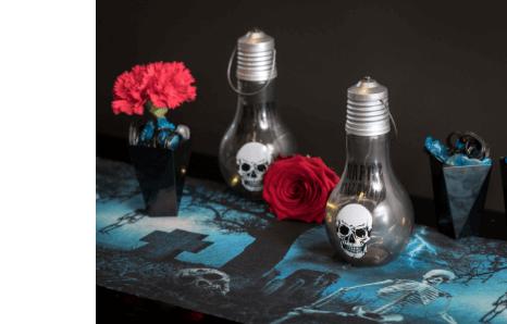 Strašidelný dom, halloweenske strašidlá a lebky