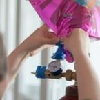 Plnenie balónov héliom